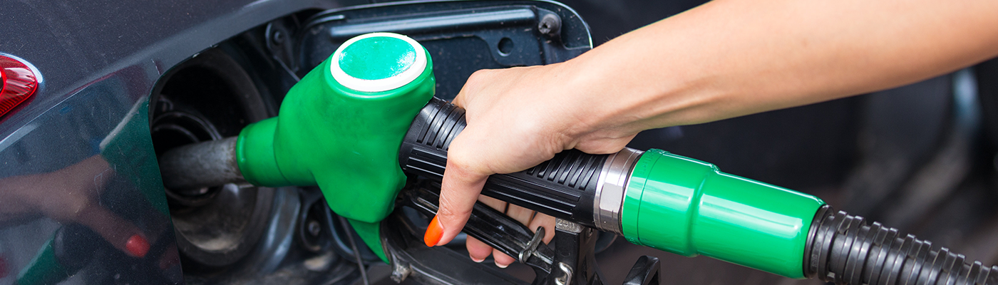 how is gas mileage determined in cars?