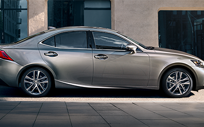seating capacity & trim levels of the lexus is